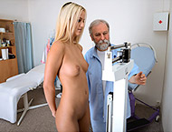 Catherine, 19 years girl gyno exam. Inspection with physical exam, feet check, vaginal ultrasound thermometers, perineum and anal exam, two speculums, suppository and vibrator orgasm.