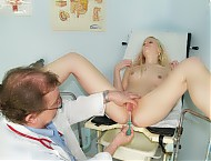 Blonde girl visits her gyno doctor to have her pussy checked up